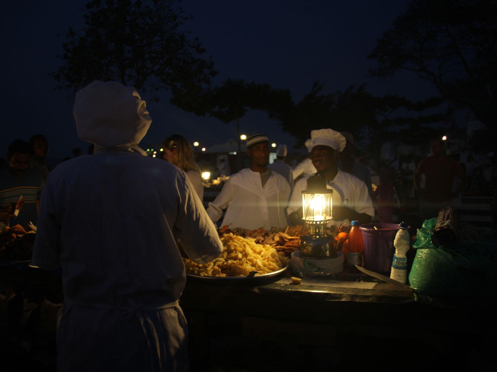 Gallery Tours & Safari - Dining & nightlife