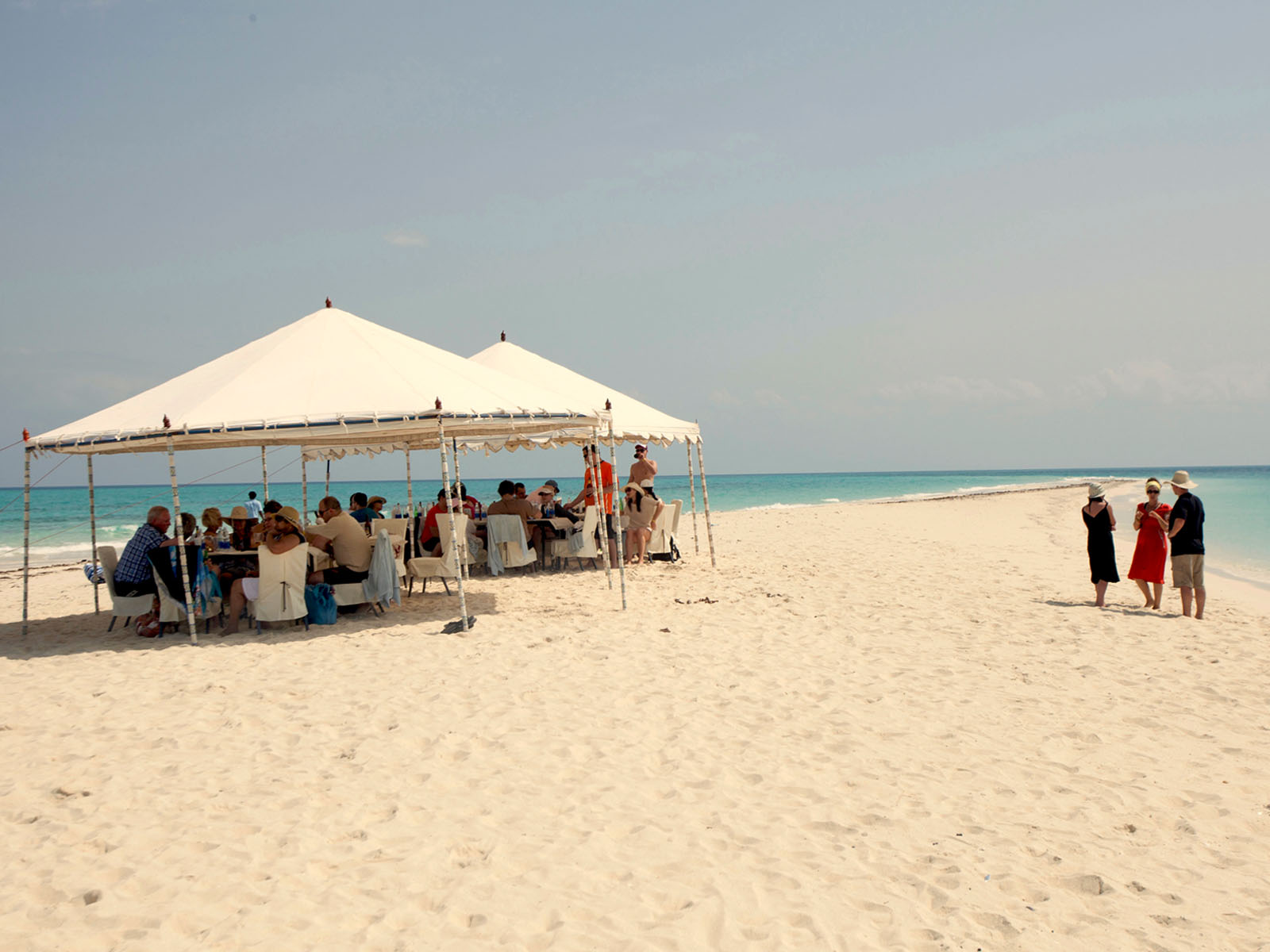 Gallery Tours & Safari - Sandbank Picnic