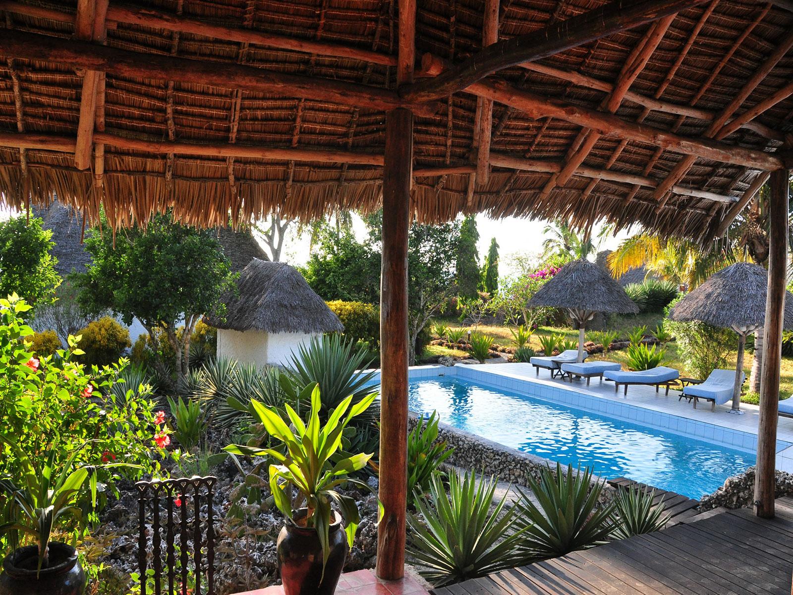 Hakuna Matata Beach Lodge